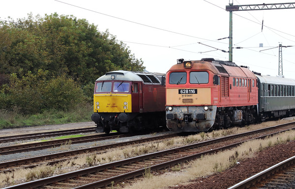 47 375 & 628 116 at Szentlorinc on 5th October 2019 working PTG Railtour (2)